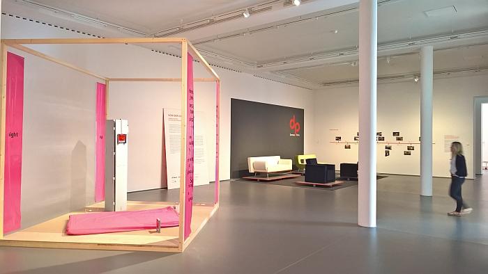 https://www.smow.com/blog/wp-content/uploads/2018/05/From-Idea-to-Form-Domeau-P%C3%A9r%C3%A8s-Design-and-Craftsmanship-in-Dialogue-Kaiser-Wilhelm-Museum-Krefeld.jpg
