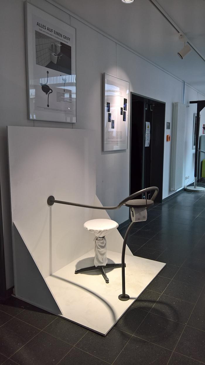 Alles auf einen Griff by Madeline Hobbie, as seen at the 2018 Graduation Exhibiton, Hochschule für angewandte Wissenschaft und Kunst, Hildesheim