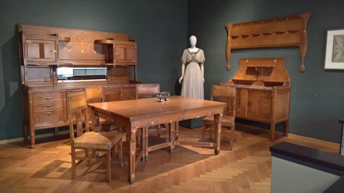 Furniture by Karel de Bazel & Kees Oosschot. Evening Dress Jeanne Margaine-Lacroix, as seen at Art Nouveau in Nederland, The Gemeentemuseum Den Haag