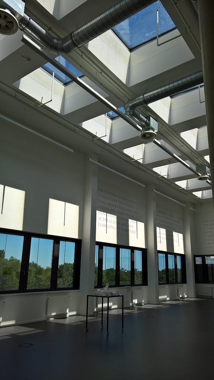 The daylight photo studio at Folkwang Universität der Künste Essen's Quartier Nord. Daylight ✓
