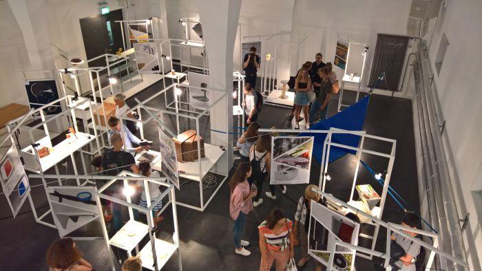 """The presentaion of the class """"3 aus 36"""", as seen at Look 2018, Institute Industrial Design, Hochschule für Gestaltung und Kunst Basel"""