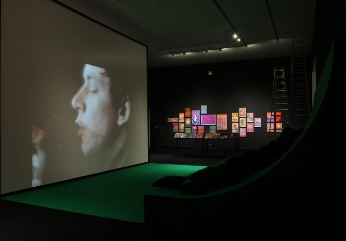 Monterey Pop viewing arena, Eric Burdon & The Animals doing Paint It Black...., as seen at 68. Pop und Protest Museum für Kunst und Gewerbe Hamburg