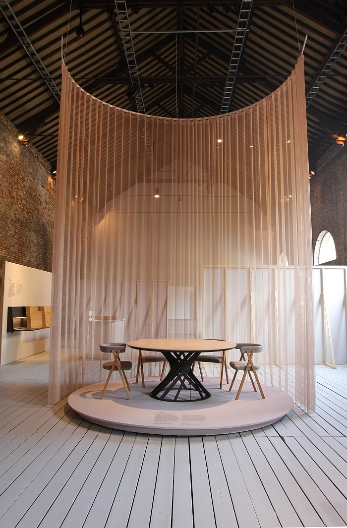 Twist table and Crossing Chair for Interini Edition by Benoît Deneufbourg, as seen at Benoît Deneufbourg. Process, CID - centre d'innovation et de design au Grand-Hornu