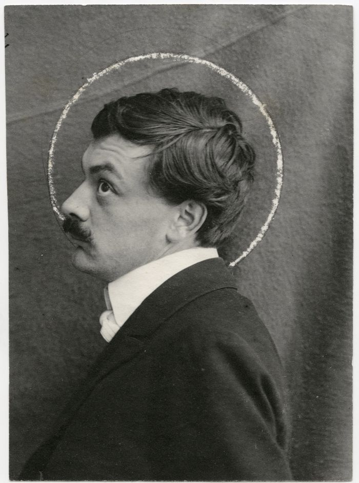 Koloman Moser ca 1903 (Photo Anonymous © and courtesy MAK Vienna)