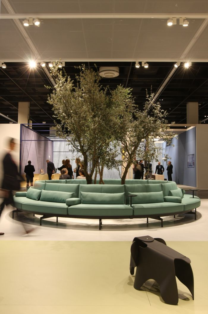 An seasoned Vitra observer considers the new Soft Work modular seating concept by Barber & Osgerby......