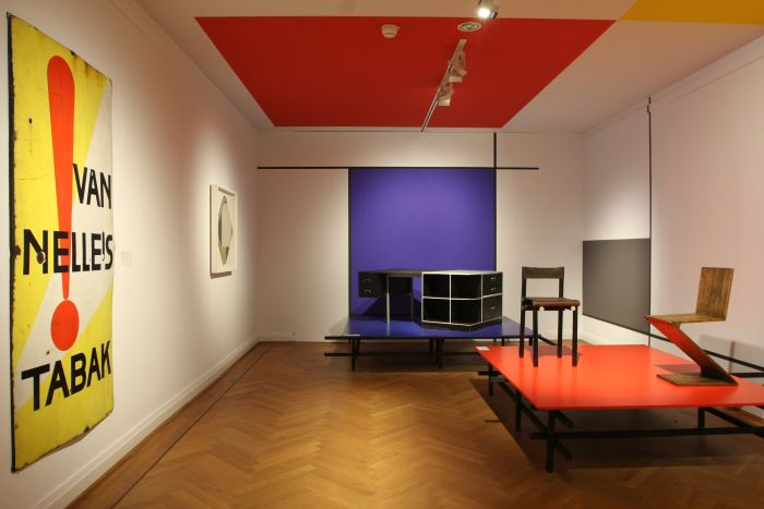 Furniture by Gerrit Rietveld & an advert by Jacob Jongert, as seen at From Arts and Crafts to the Bauhaus. Art and Design - A New Unity, The Bröhan Museum Berlin