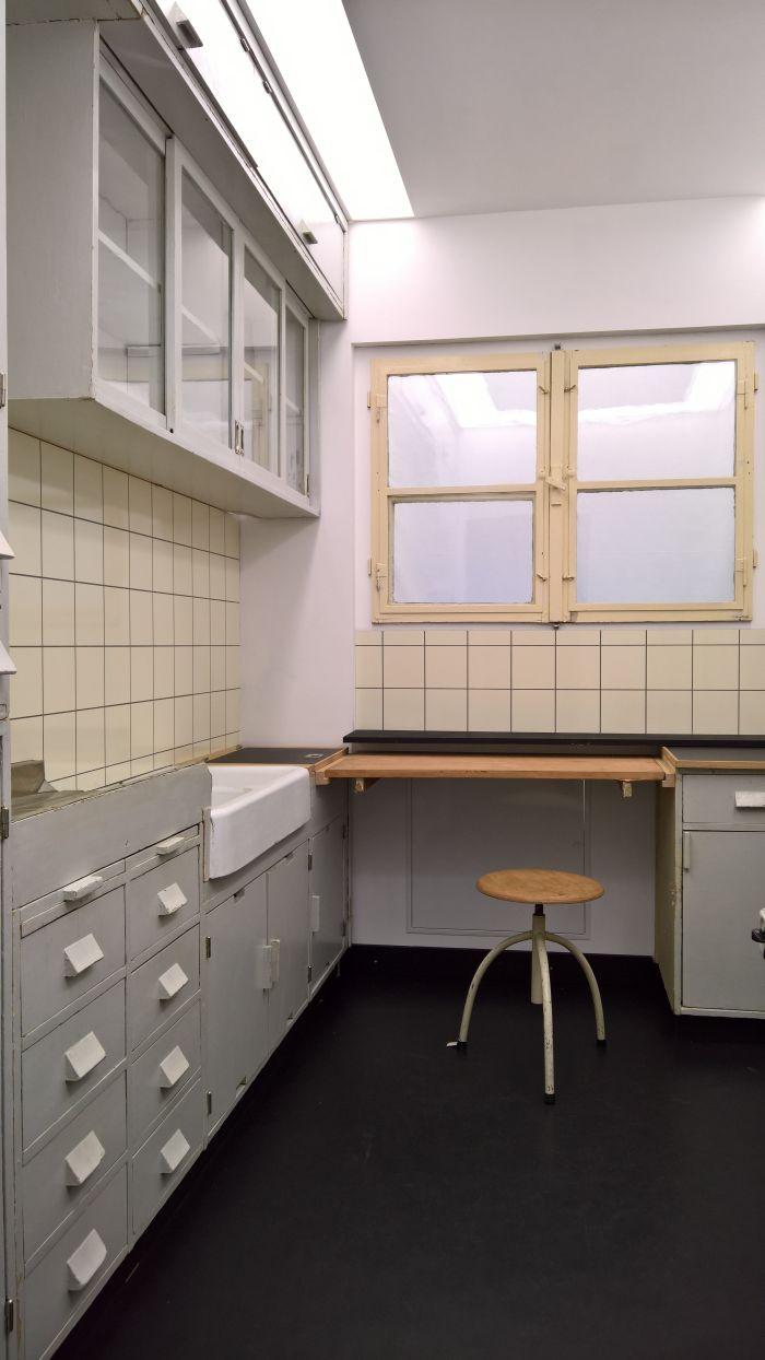 Frankfurter Küche by Margarete Schütte-Lihotzky