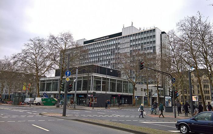 Kölle A(rchitketur)laaf!! Former Provinzial-Versicherung, Rudolfplatz by Theodor Kelter