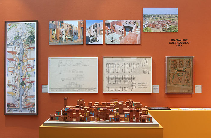 Aranya Low Cost Housing project, as seen at Balkrishna Doshi. Architecture for the People, Vitra Design Museum