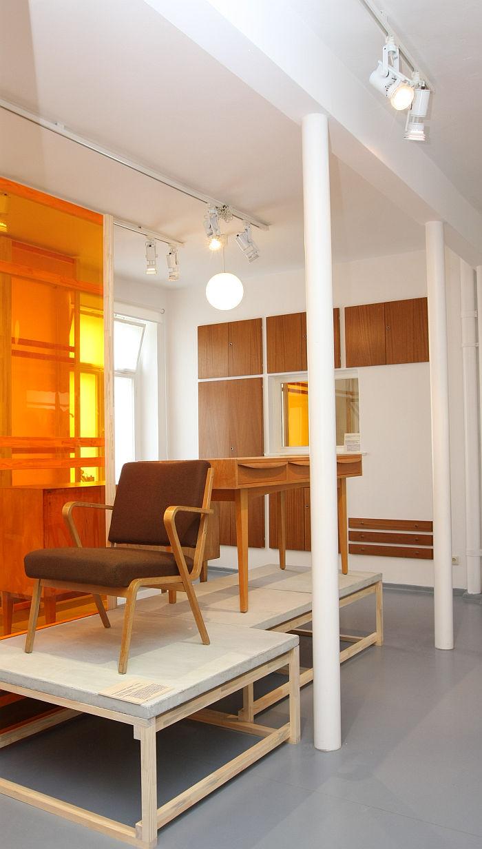 53693 armchair by Seleman Selmagic for VEB Deutsche Werkstätten Hellerau (1957), as seen at Shaping everyday life! Bauhaus modernism in the GDR, Dokumentationszentrum Alltagskultur der DDR, Eisenhüttenstadt