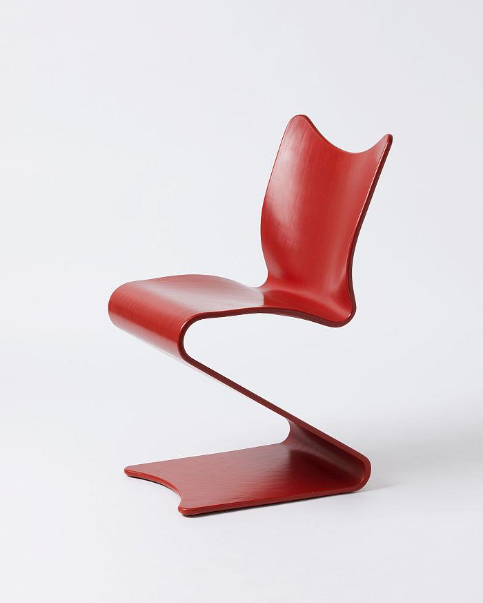 Verner Panton cantilever chair Nr 275 by August Sommer Plüderhausen for Gebrüder Thonet (Photo © and courtesy Die Neue Sammlung – The Design Museum, Munich)