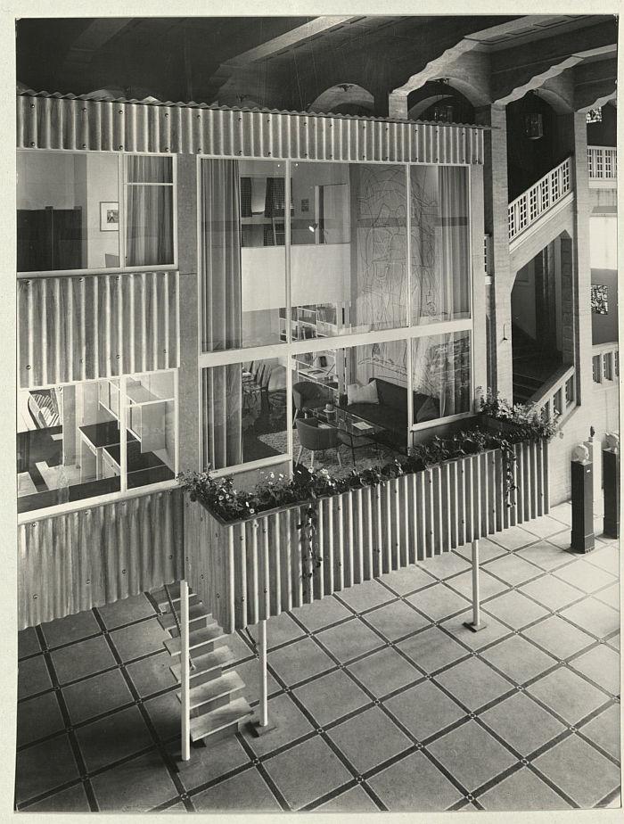 """""""Das Haus in der Halle"""" by Gustav Hassenpflug in the Hamburger Hochschule für bildende Künste, 1953 (Photo Courtesy Freie Akademie der Künste, Hamburg)"""