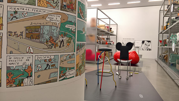 Javier Mariscal Dúplex stool in a comic. And in real. As seen at Living in a Box. Design and Comics, Vitra Design Museum Schaudepot