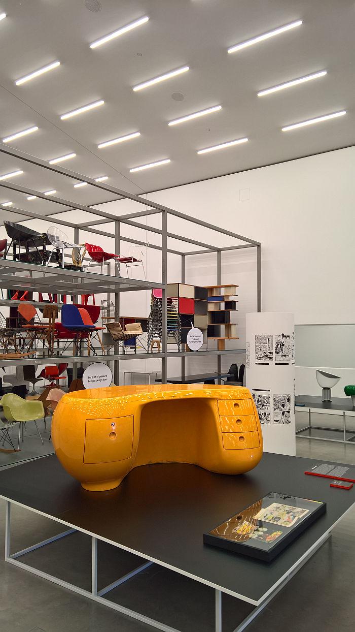 Boomerang desk by Maurice Calka, as seen at Living in a Box. Design and Comics, Vitra Design Museum Schaudepot