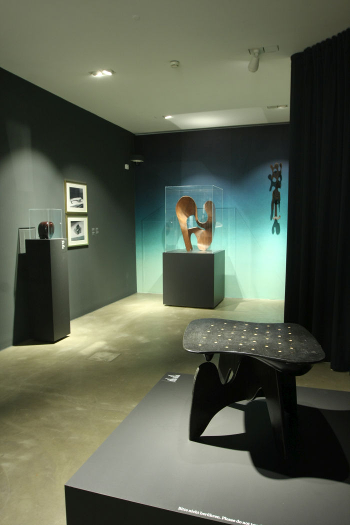 Works by Isamu Noguchi and Ray Eames, as seen at Objects of Desire. Surrealism and Design 1924 - Today, Vitra Design Museum