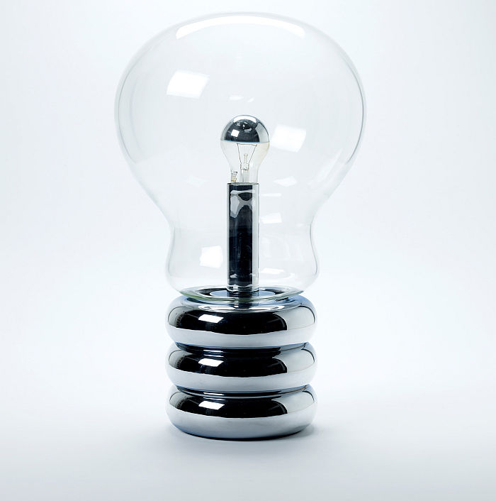 Bulb by Ingo Maurer, 1966 (Photo A. Laurenzo, © and courtesy, Die Neue Sammlung – The Design Museum