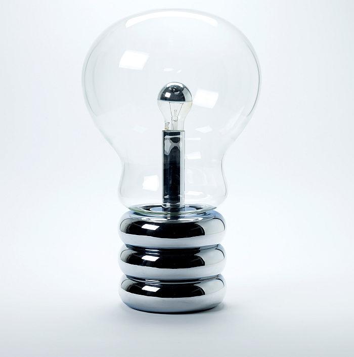 Bulb by Ingo Maurer, 1966 (Photo A. Laurenzo, © and courtesy, Die Neue Sammlung – The Design Museum