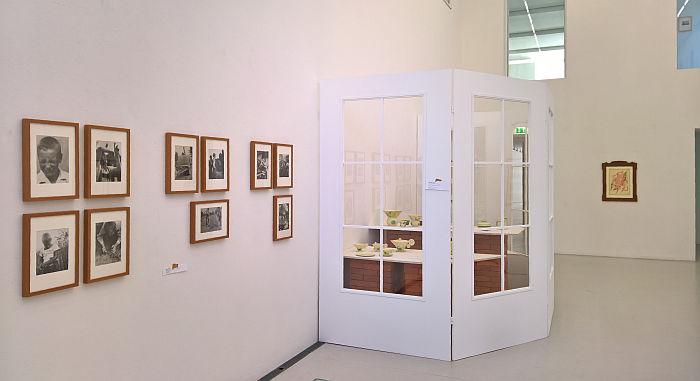 Photos by Eberhard Schrammen and ceramics by Margarete Heymann-Loebenstein, as seen at Unknown Modernism, Brandenburgisches Landesmuseum für moderne Kunst, Cottbus
