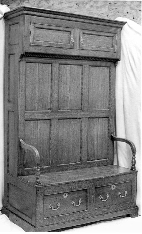 An early 19th century English Bacon Settle