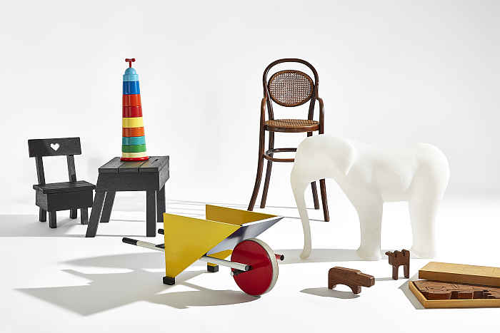 """From Thonet to 'Dutch Design'. 125 Years of Living at The Stedelijk"", the Stedelijk Museum, Amsterdam (Photo Peggy Janssen © and courtesy Stedelijk Museum)"