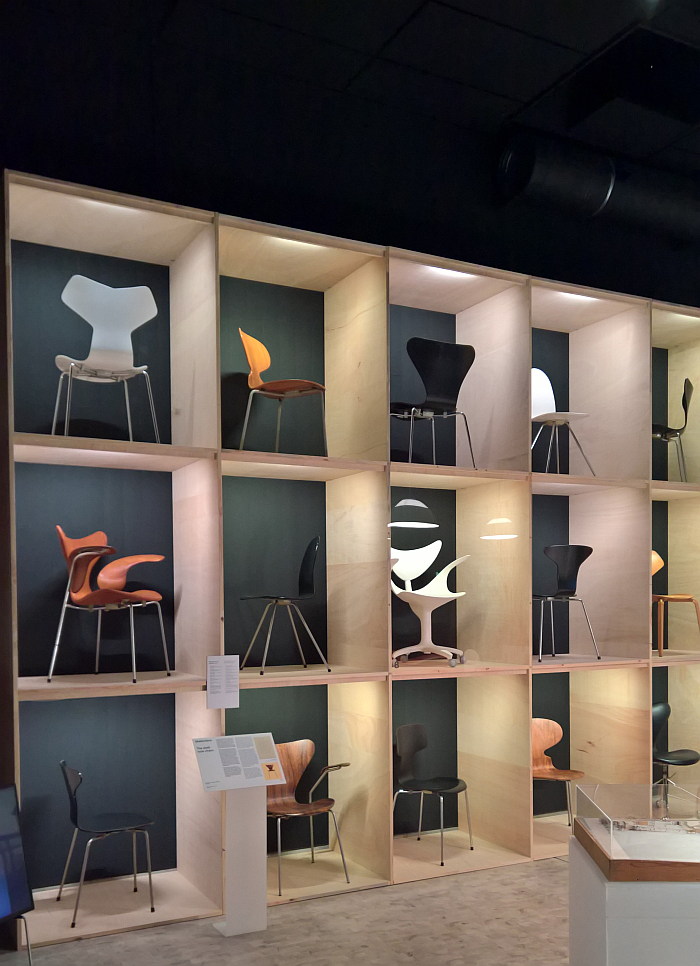 A presentation of moulded plywood chairs by Arne Jacobsen, as seen at Arne Jacobsen - Designing Denmark, Trapholt, Kolding