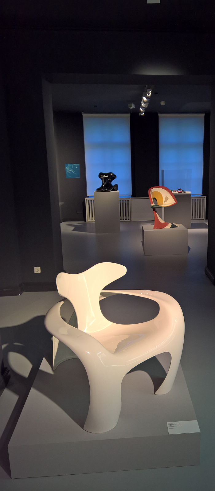 The armchair Swinger by Luigi Colani, and behind it a 1965 prototype, as seen at Luigi Colani and Art Nouveau, Bröhan-Museum, Berlin