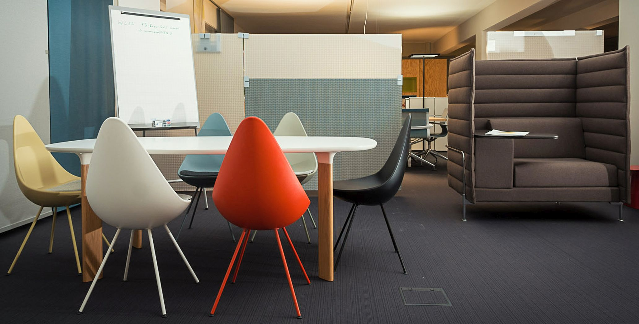 Conference furniture from smow Stuttgart