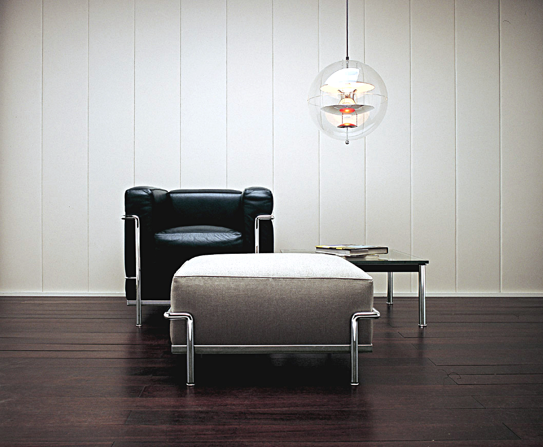 cassina lc2 armchair by le corbusier pierre jeanneret charlotte perriand 1928 designer. Black Bedroom Furniture Sets. Home Design Ideas