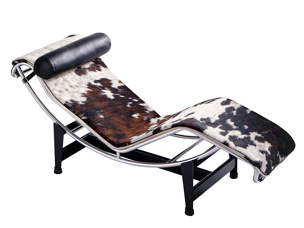 Design Bank Met Chaise Longue.Cassina Lc4 Chaise Longue Chrome Plated Spotted Hide Black White