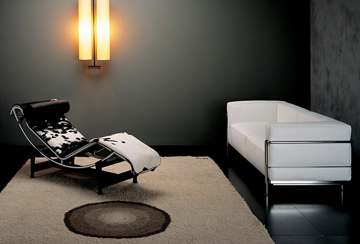 Cassina LC4 Chaise Longue, Chrome-plated, Black hide by Le ...