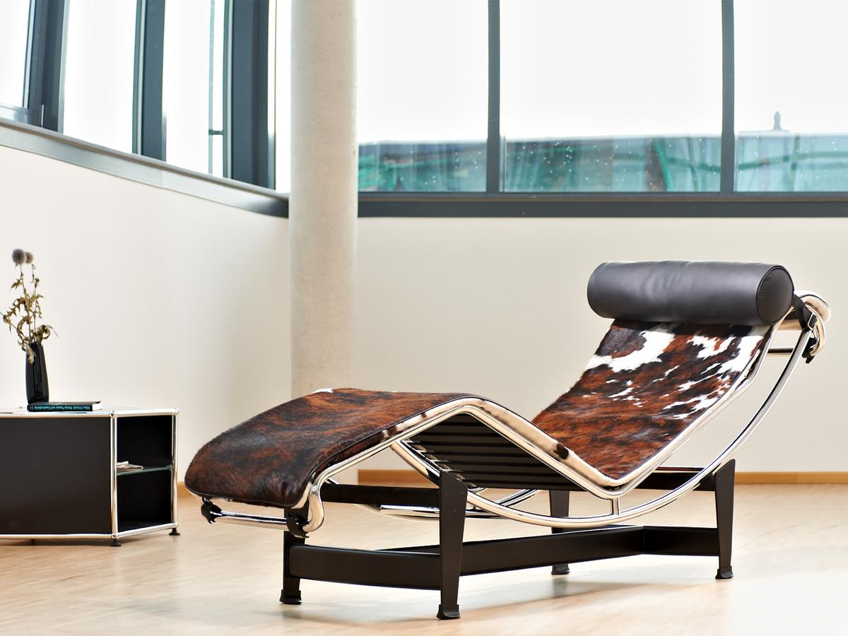Design Bank Met Chaise Longue.Cassina Lc4 Chaise Longue By Le Corbusier Pierre Jeanneret