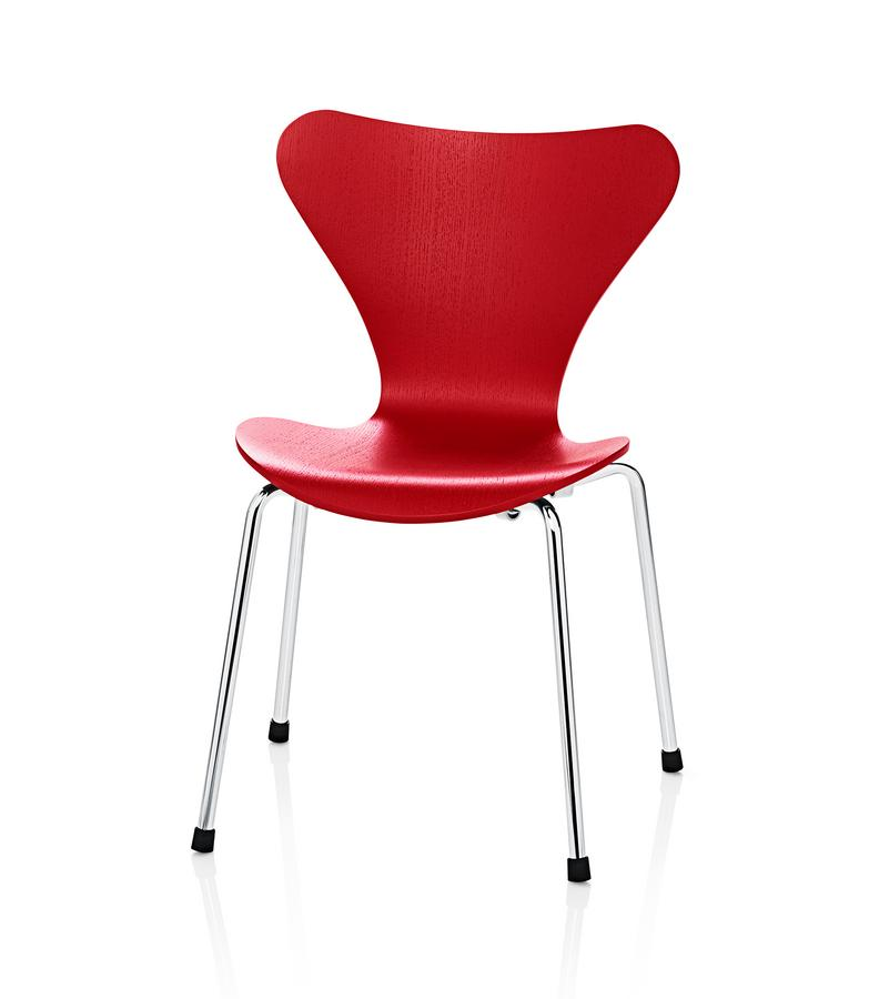fritz hansen series 7 kids chair by arne jacobsen 1952. Black Bedroom Furniture Sets. Home Design Ideas