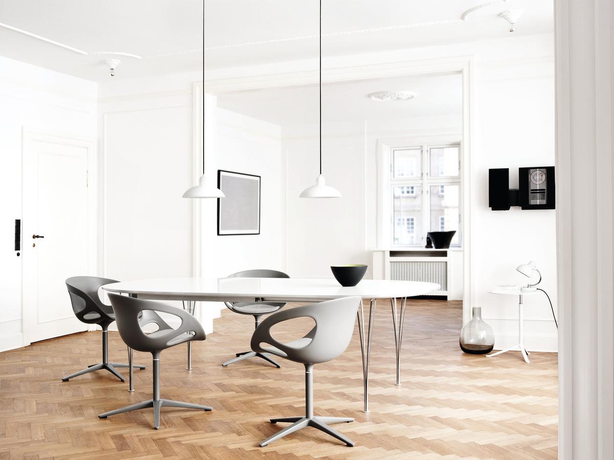 Fritz Hansen Rin by Hiromichi Konno, 2009 - Designer furniture by smow.com