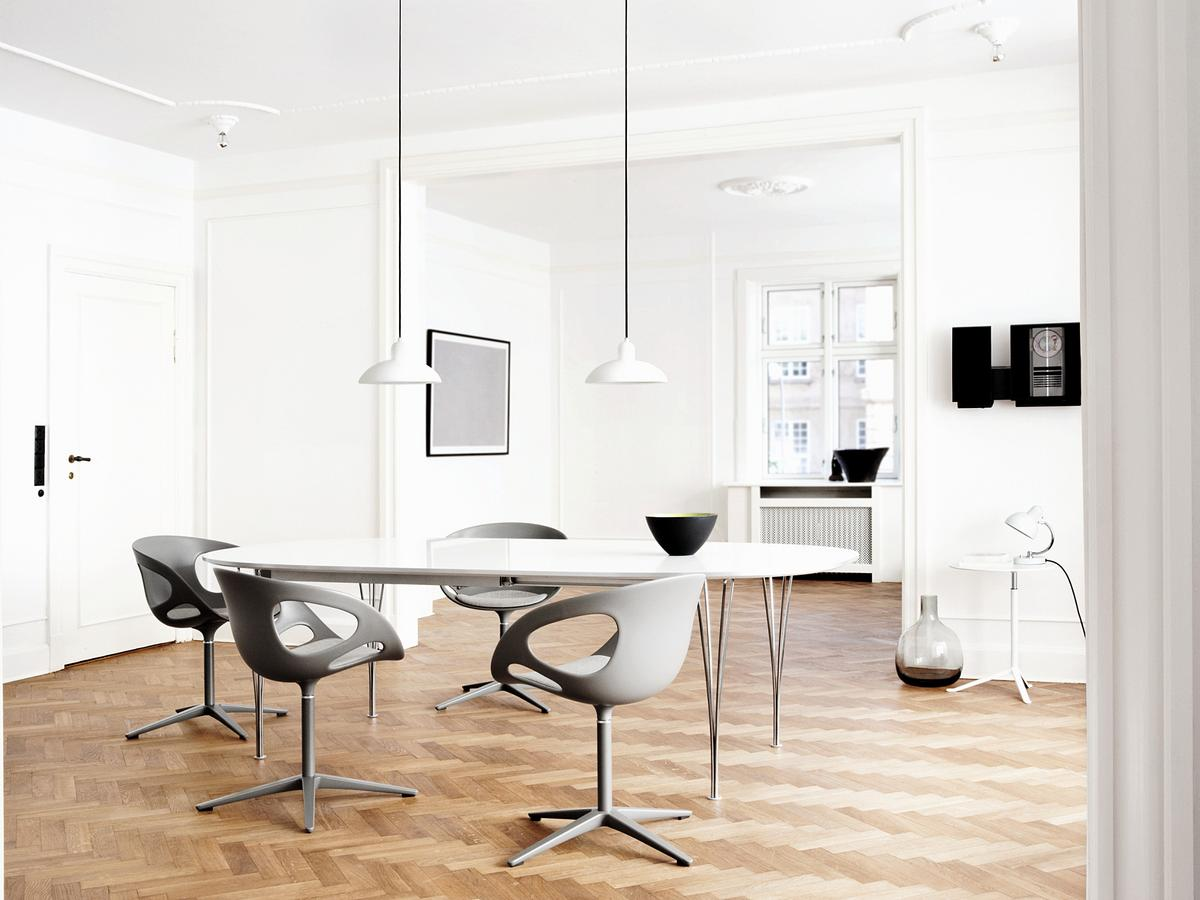 fritz hansen essay dining table Essay table by cecile manz for fritz hansen solid wood dining table designed by cecile manz the elegant essay table has a solid yet light design it consists of.