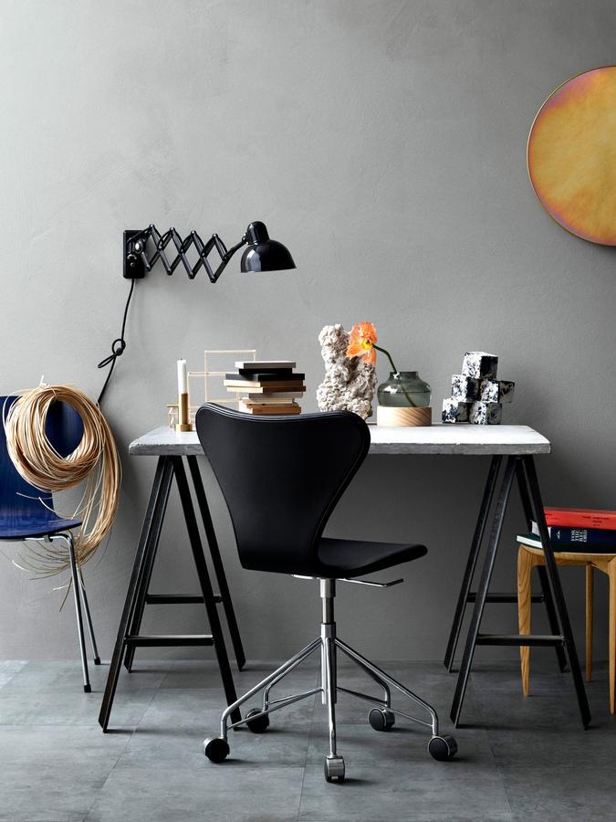 lightyears by fritz hansen kaiser idell 6718 scissor lamp. Black Bedroom Furniture Sets. Home Design Ideas
