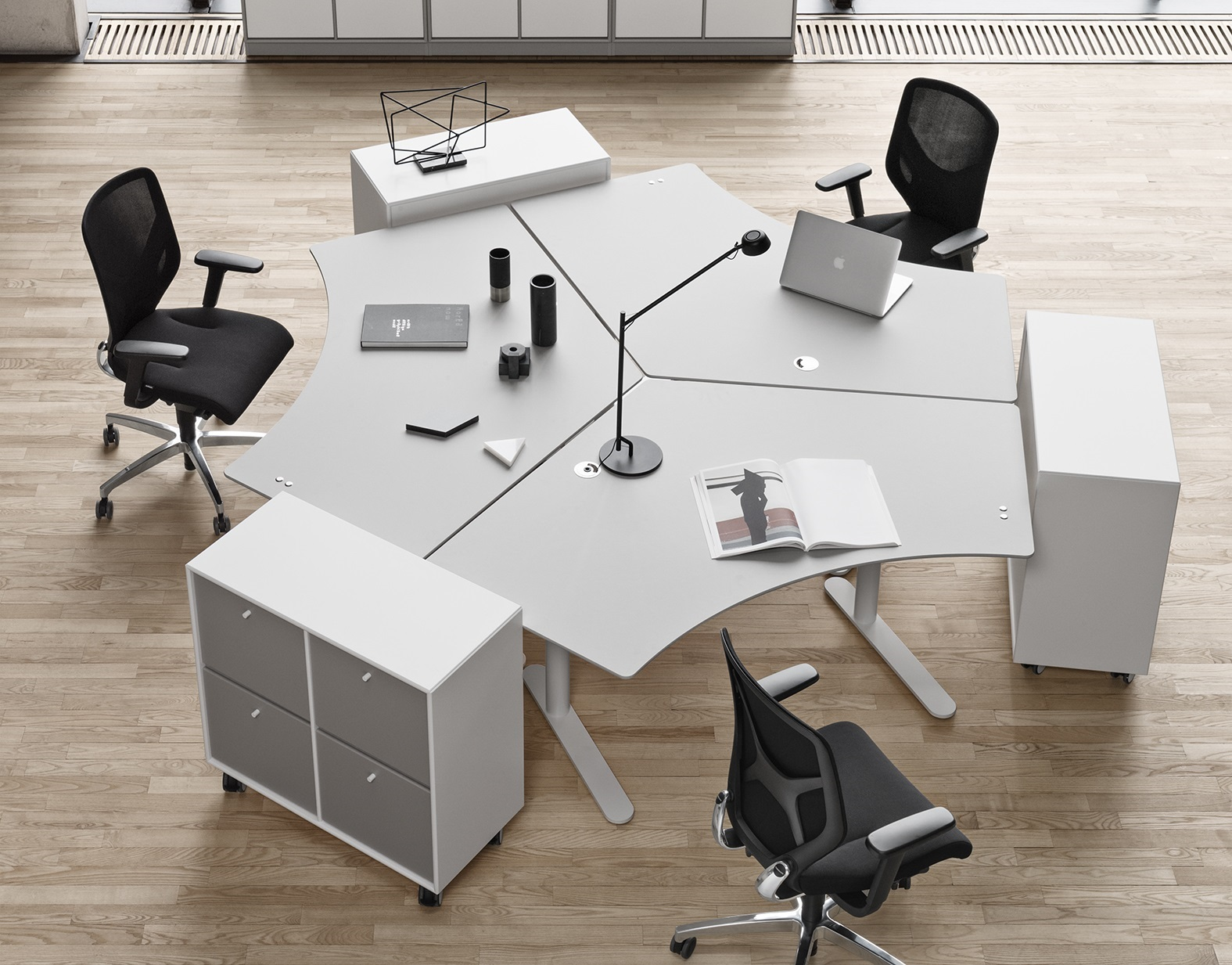 Good reasons for a height-adjustable desk group island