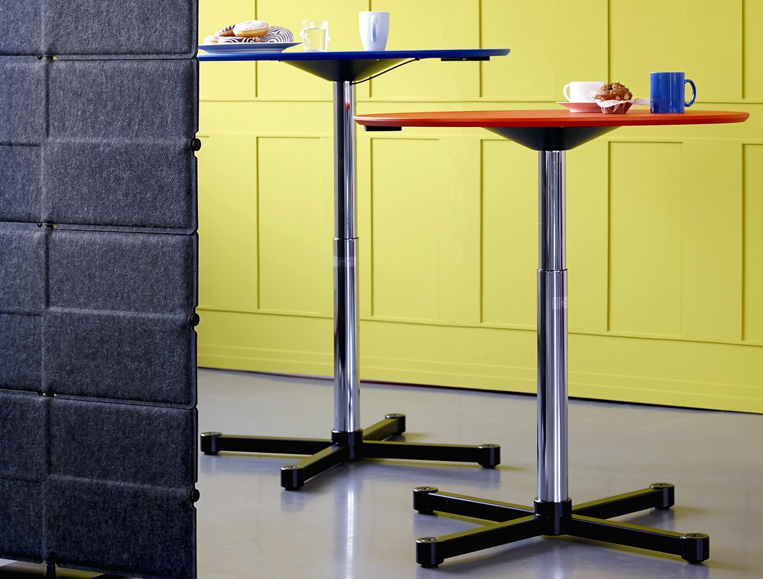 Good reasons for a height-adjustable desk standing table