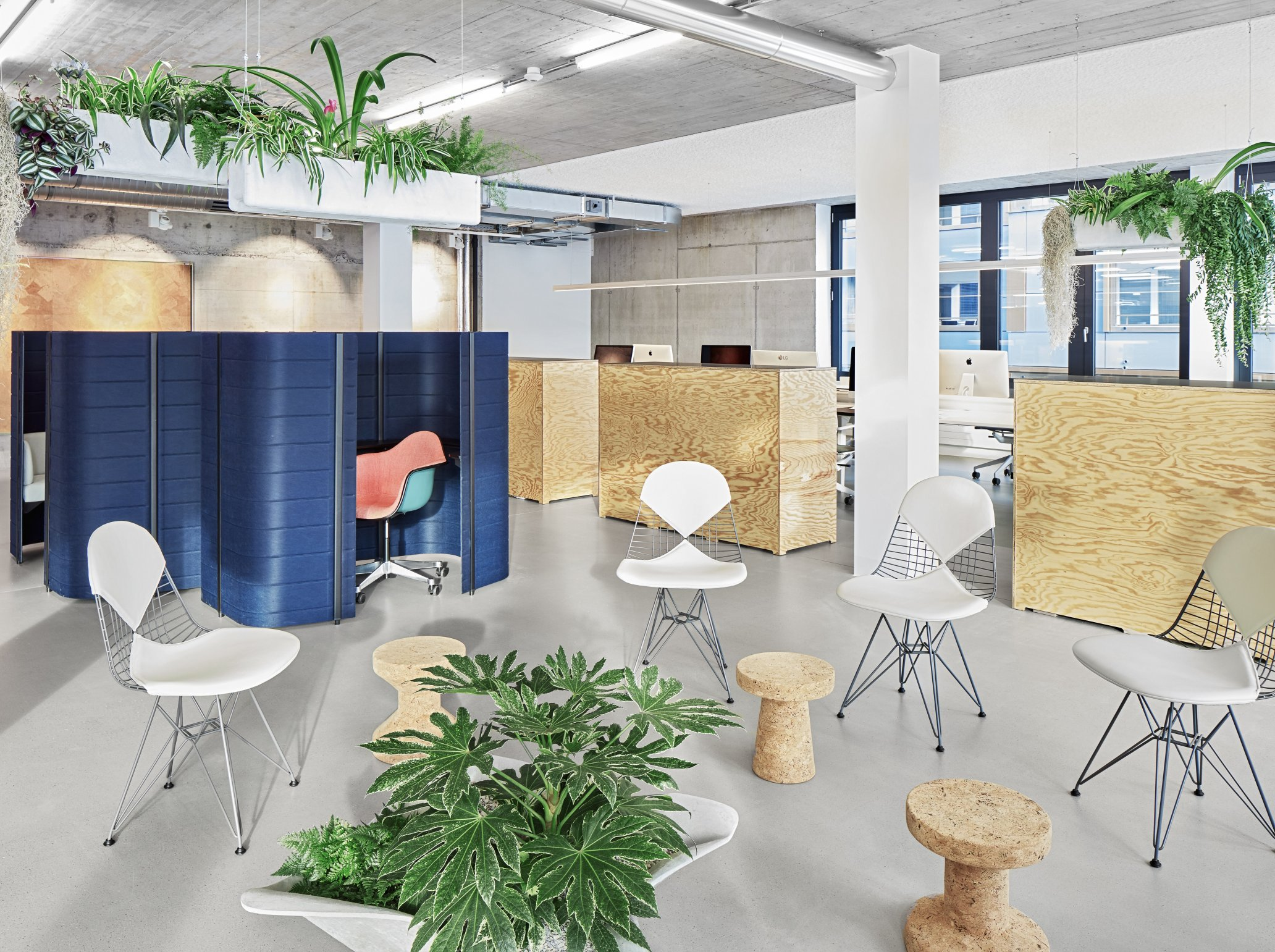 Setting up and planning a contemporary office group office
