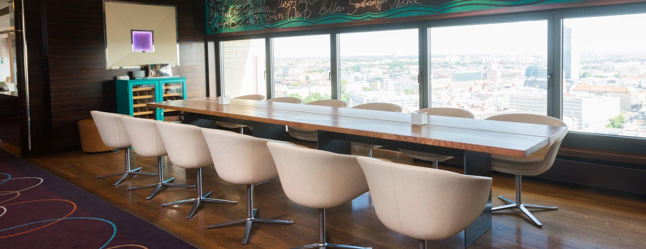 Restaurant Falco Leipzig large table