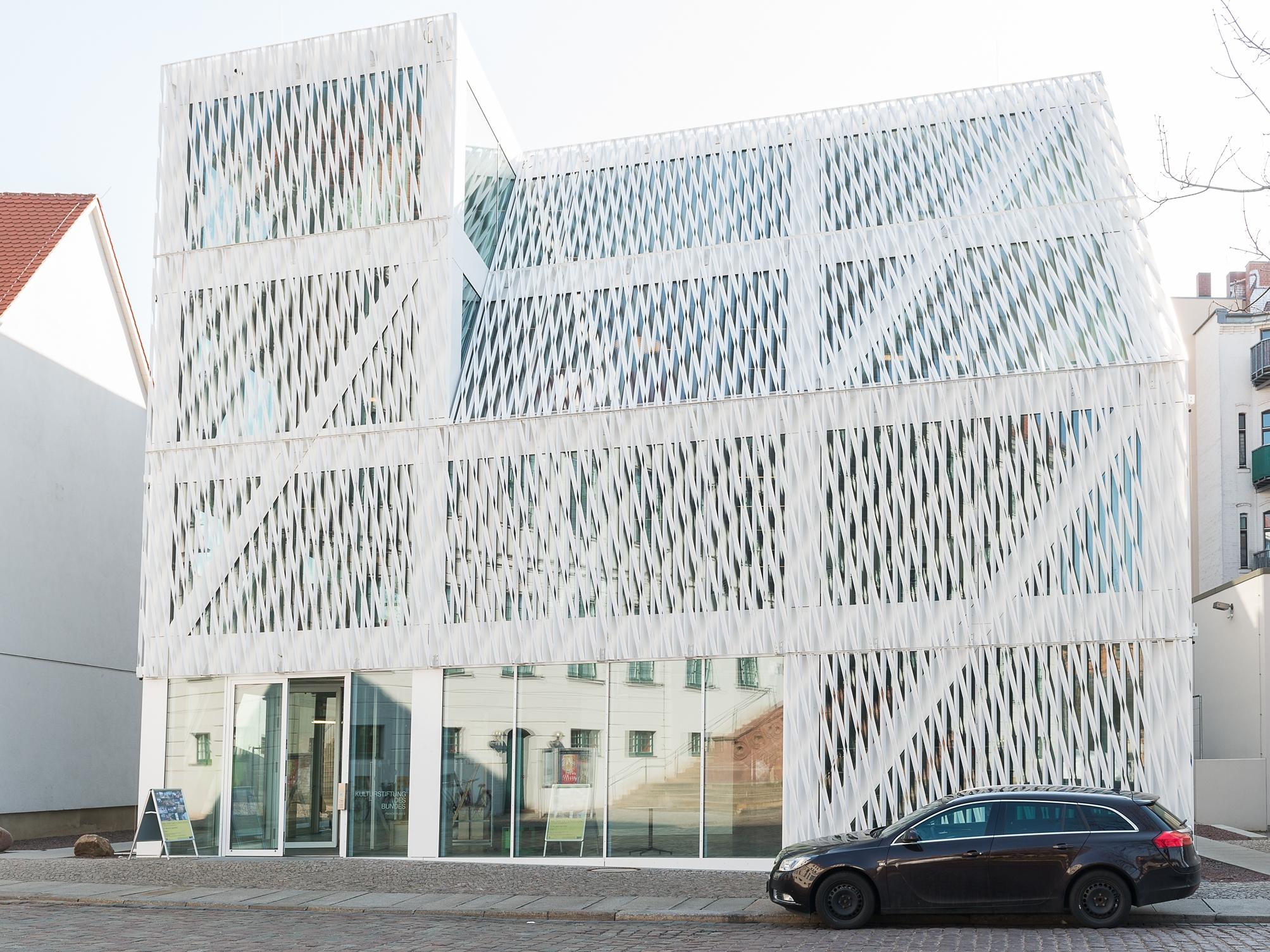 Kulturstiftung des Bundes Halle Building