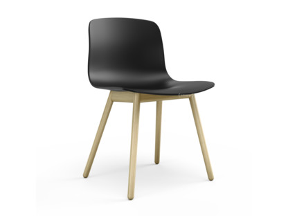About A Chair AAC 12 Black|Clear lacquered oak