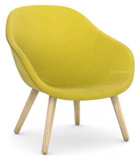 About A Lounge Chair Low AAL 82 Hallingdal 420   Yellow|Clear Lacquered Oak|