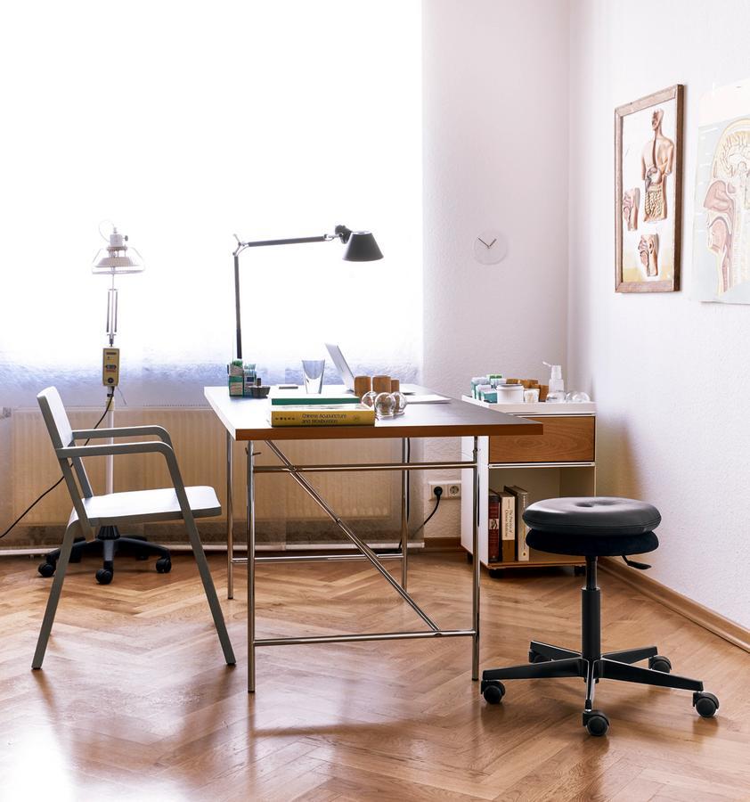 richard lampert eiermann table by egon eiermann designer furniture by. Black Bedroom Furniture Sets. Home Design Ideas