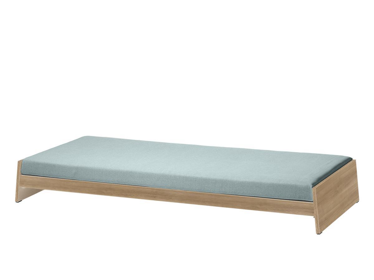 richard lampert l nneberga oak with mattress riviera powder blue by alexander seifried. Black Bedroom Furniture Sets. Home Design Ideas