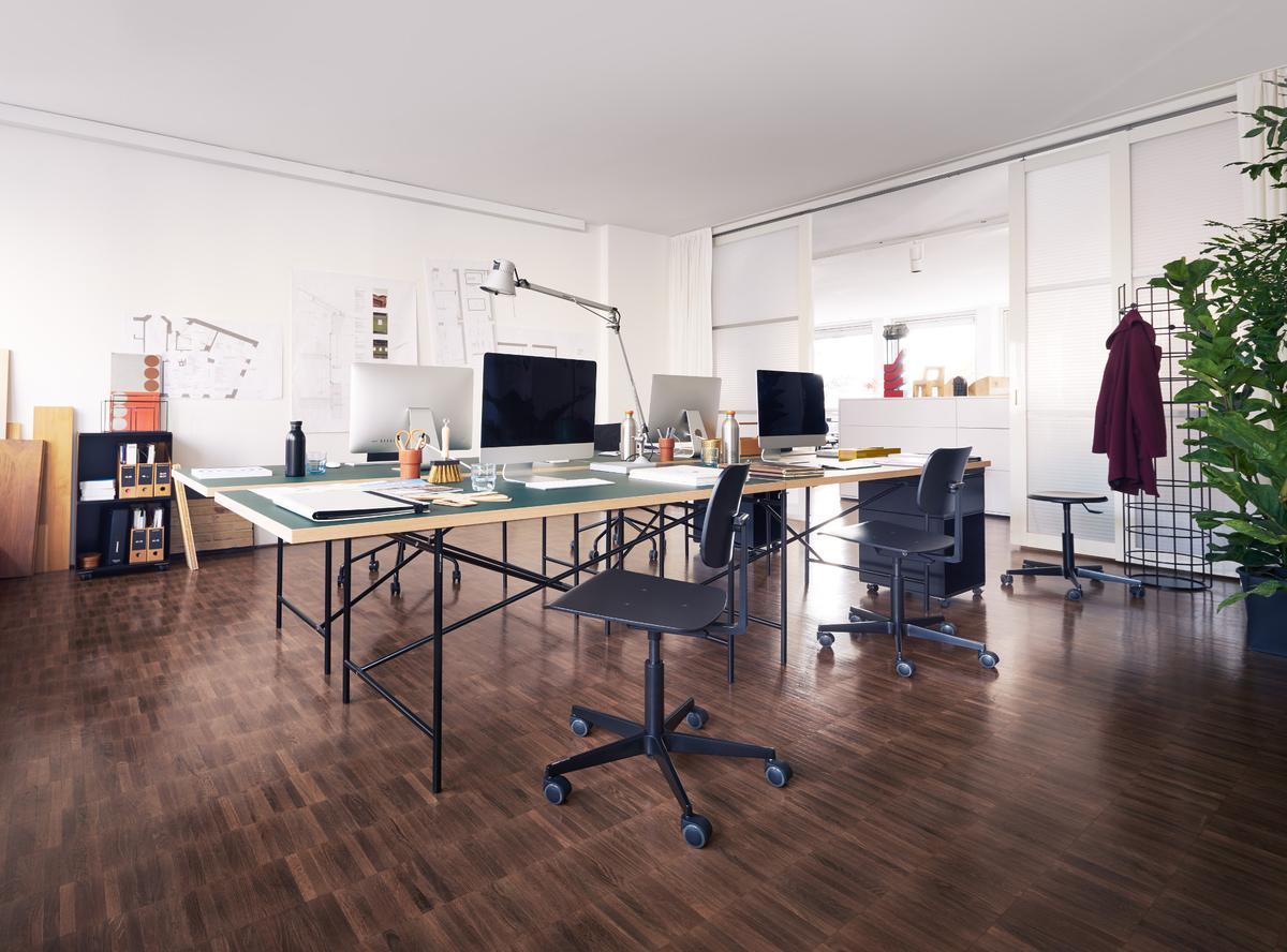 richard lampert eiermann 1 conference table by richard lampert 2014 designer furniture by. Black Bedroom Furniture Sets. Home Design Ideas