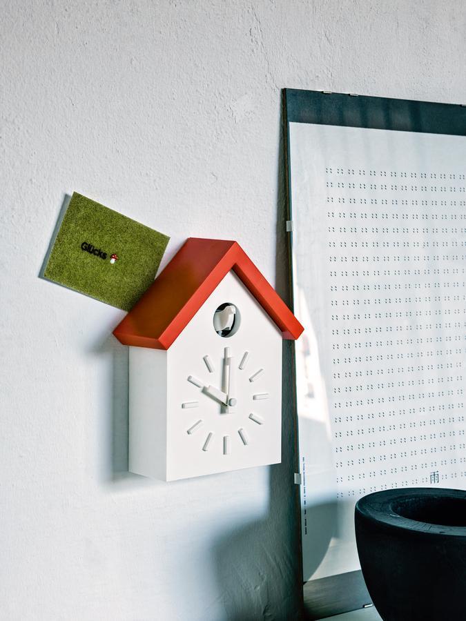 magis cu clock by naoto fukasawa 2011 designer furniture by. Black Bedroom Furniture Sets. Home Design Ideas