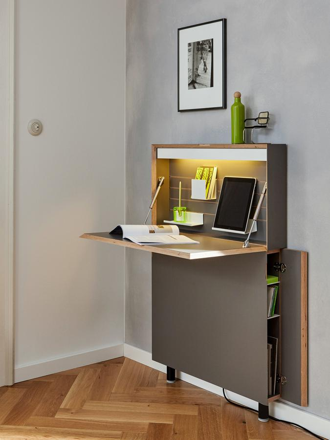 m ller m belwerkst tten flatmate secretary led by michael. Black Bedroom Furniture Sets. Home Design Ideas