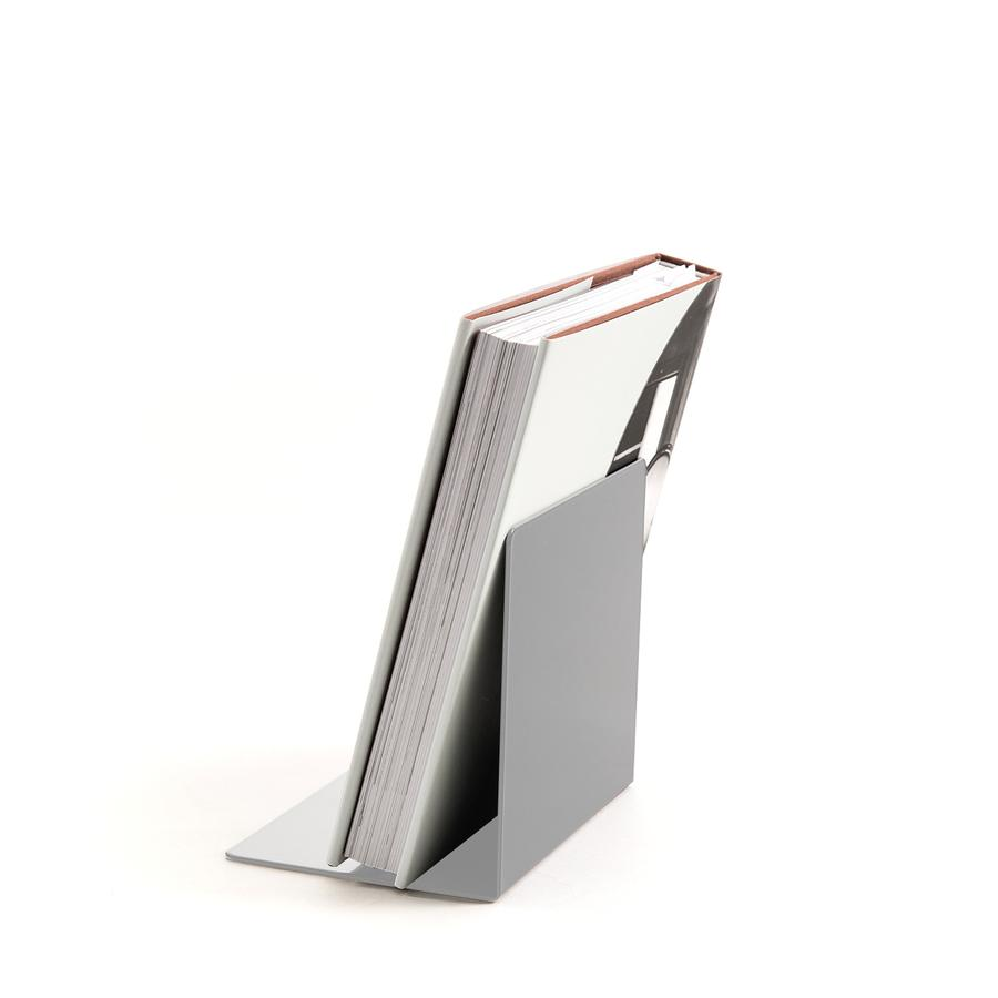 usm haller usm bookend magnetic for usm haller shelves by usm designer furniture by. Black Bedroom Furniture Sets. Home Design Ideas