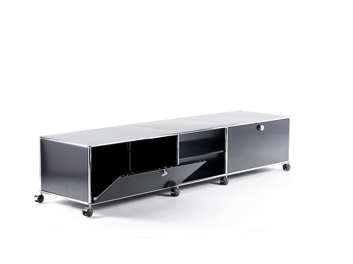 usm haller tv lowboard xl on castors by fritz haller paul sch rer designer furniture by. Black Bedroom Furniture Sets. Home Design Ideas