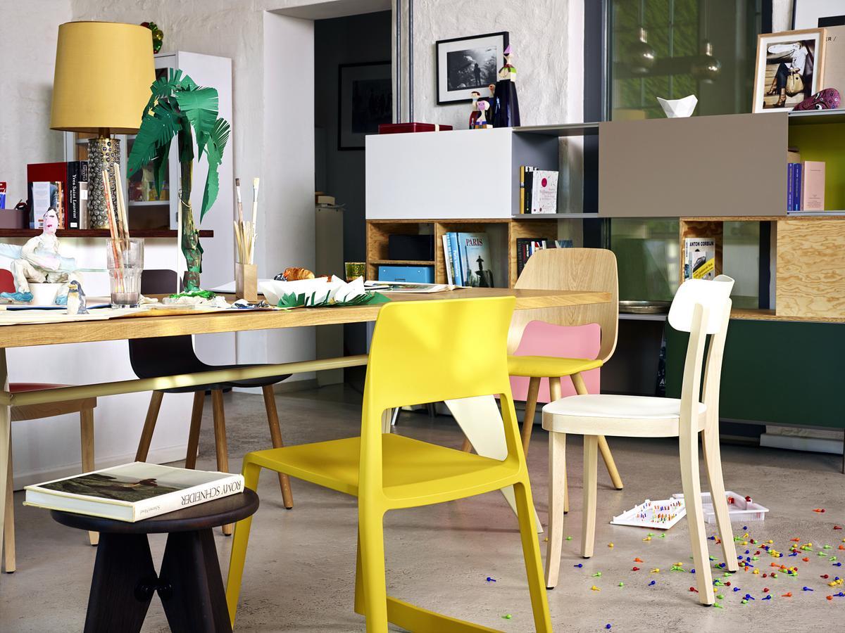 Vitra basel chair by jasper morrison 2008 designer for Table chaise eames